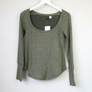 NEW Urban Outfitters BDG Green Long Sleeve T-Shirt